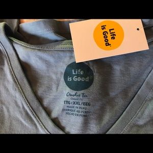 Life Is Good Tops - Life is Good SS V-neck tee